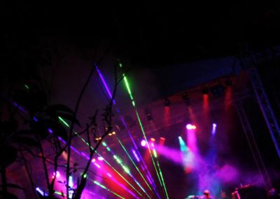 04-dumpsta-laserLights
