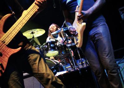 04-dumpsta-supajam-guitarscropped