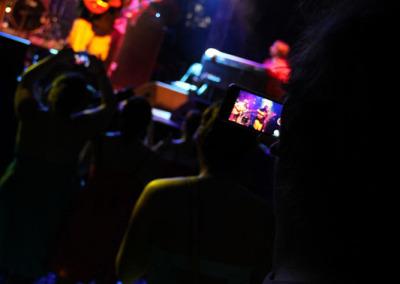 04-rmb-cameraPhone