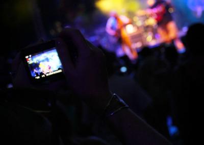 04-rmb-zdCameraPhone