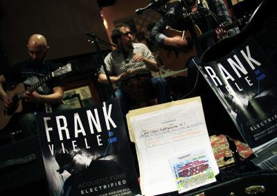 FrankViele-GuitarDisplay